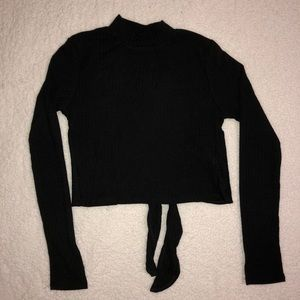 Long sleeve black cropped shirt
